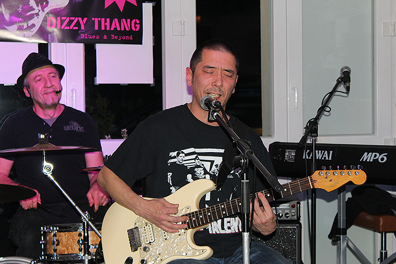 dizzy_thang_mandys_lounge_31102015_24